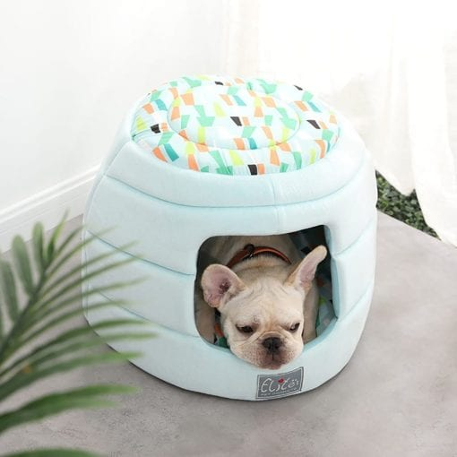 Green Snug Bed With Retro Pattern - pawsandtails.pet